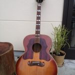 旅用のギター